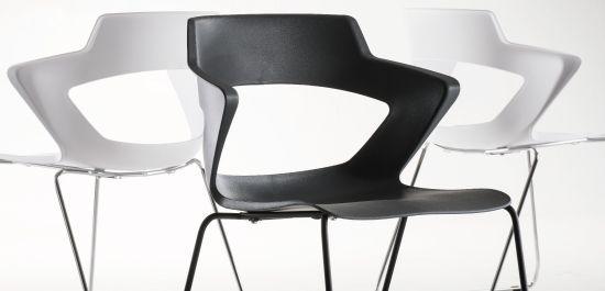 Qualidade. A concha Zenith é moldada para o o conforto, além do visual amigável. Ideal para áreas de descompressão, salas de reunião ou até em cafés.