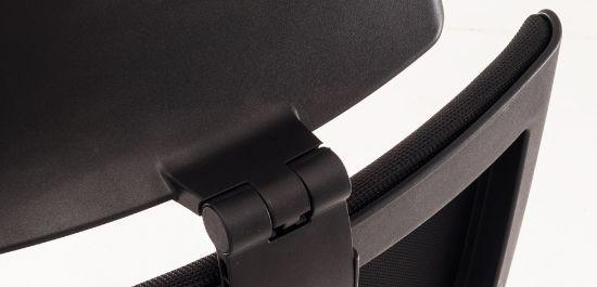 O apoio de cabeça é desenhado especificamente para atender o conforto de qualquer usuário.