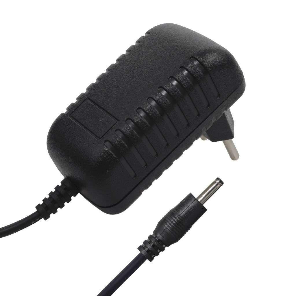 Fonte Universal 9V - 3000MA Pino 2,5 Para Tablet