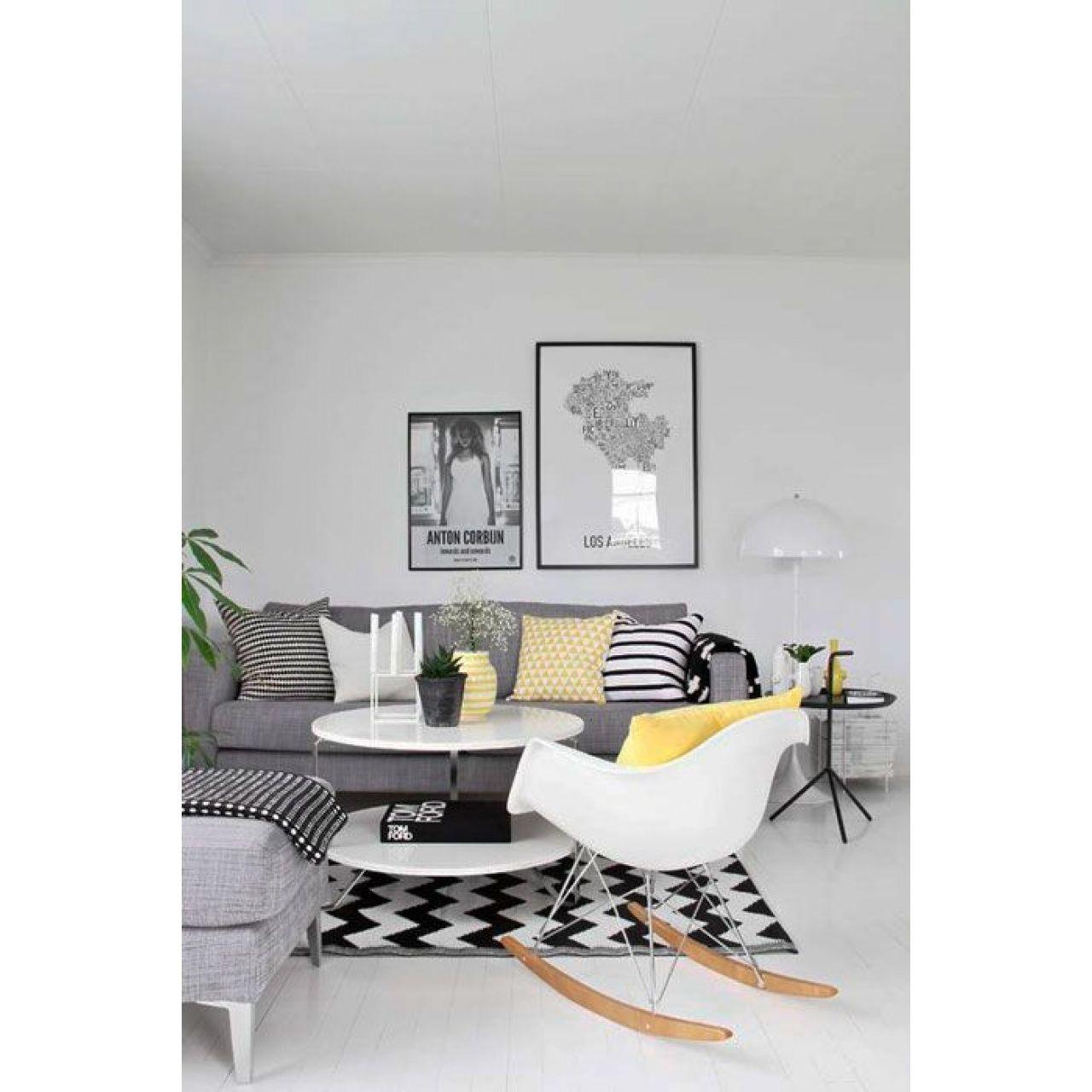 Cadeira Eames Eiffel Rivatti com braço PP Base Balanço