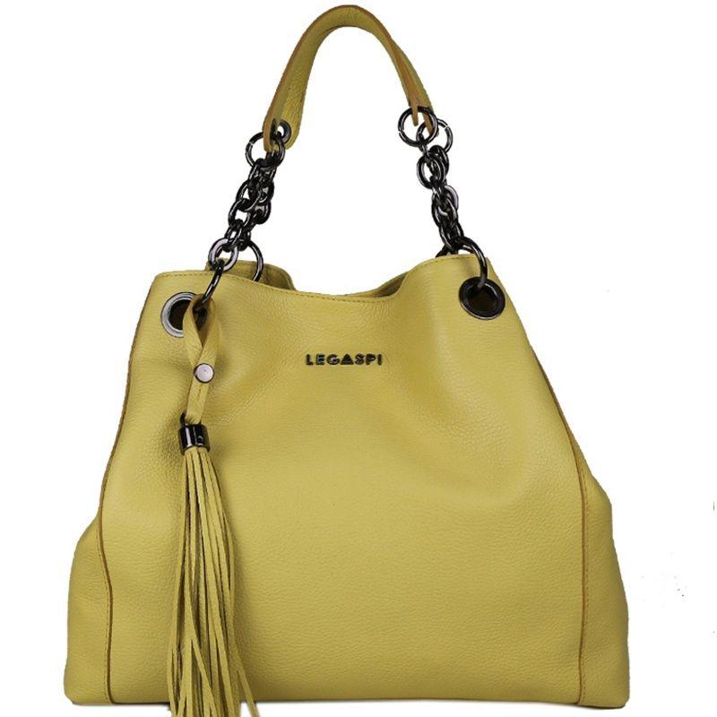 bolsa-saco-de-couro-com-correntes-na-cor-amarelo