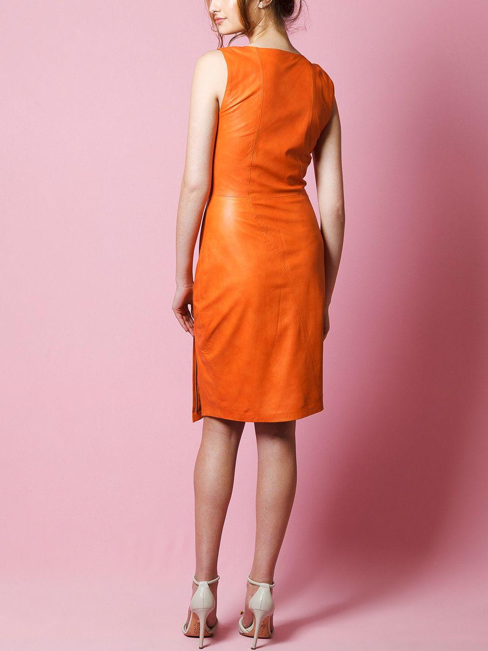 Vestido com Cortes Assimétrico- Liziane Richter