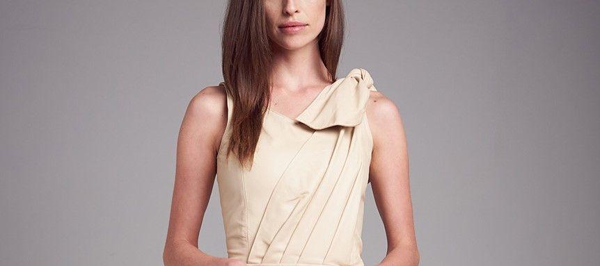 Vestido Tubo Liso, com Laço para Amarração no Ombro - Liziane Richter