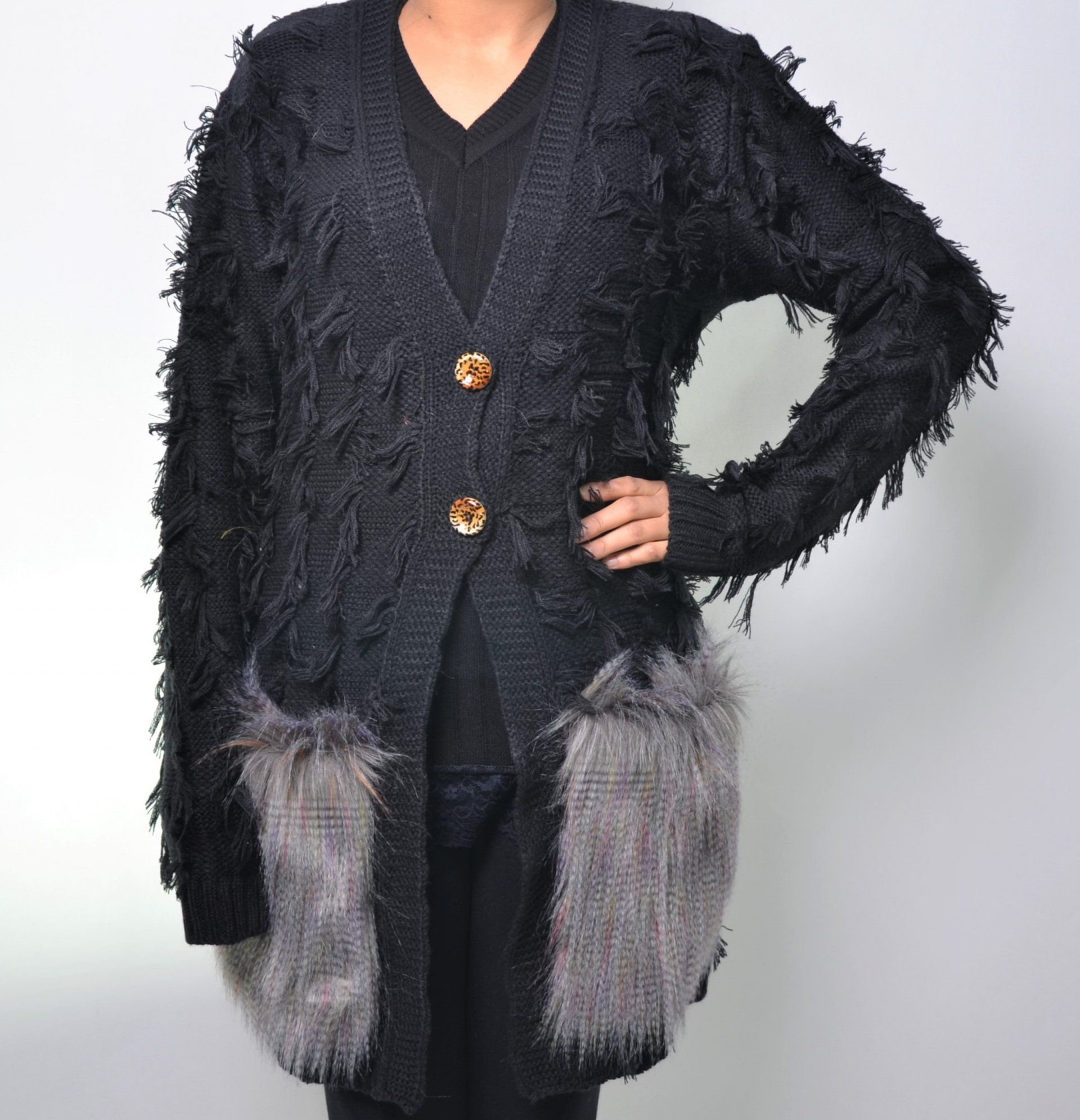 casaco-franjado-c-pele-fake-bolsos-019if17